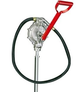 Надежный и неприхотливый ручной насос для перекачки бензина,дизеля,керосина.Незаменим в быту в гараже или на стройке)производительность до пятидесяти литров в ручную!!!